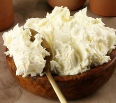 Goats cheese (also known as chevre) is creamy, soft in texture, and has a unique flavor. Kefir, Tiramisu, Beef Tenderloin, Cake Shop, Perfect Food, Goat Cheese, Mashed Potatoes, Goats, Sweets