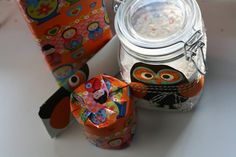 gift idea: A jar with a homemade cookie-mix with recipe on the owl tag! In the other gifts hides different baking tools to use while making the cookies!