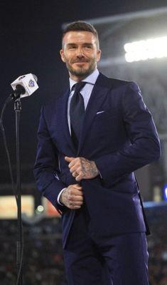 Beckham Suit, David Beckham Style, Brooklyn Beckham, Business Outfits, Gentleman Style, Bun Hairstyles, Victoria Beckham, Mens Suits, Sporty