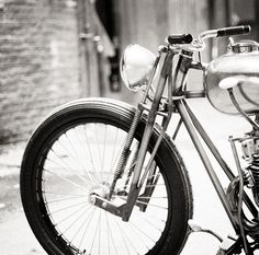 Yamaha XS650 by Max Hazan ~ Return of the Cafe Racers