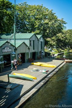Enjoy Christchurch Botanic Gardens by Punting on the Avon Travel Images, Travel Photos, Nz South Island, Boat Shed, Christchurch New Zealand, Living In New Zealand, New Zealand Travel, Travel Activities, Countries Of The World