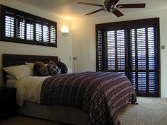 Mahogany shutters Bedroom Shutters, Wooden Shutters, Bedroom Windows, Window Shutters, Interior Paint, Paint Ideas, Dark Wood, Window Treatments, Cosy