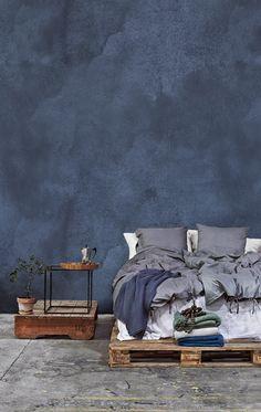 Blue bedromm wall - colour-of-the-year-2017-denim-drift-blue