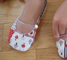 2401bd1f9dfa7 Shoe Sewing Pattern - PDF - Vintage Flair Flats women's size 5 to 11
