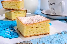Want a cake recipe you can literally throw together in one minute flat? Try this very easy pineapple cake! It is delicious hot served with custard for a pudding too! Easiest Pineapple Cake Recipe, Easy Pineapple Cake, Pineapple Dessert Recipes, Pound Cake Recipes, Easy Cake Recipes, Three Ingredient Recipes, Cake Ingredients, Cake Toppings, Cake Tins