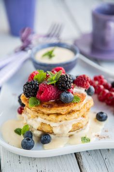 Our delicious, gourmet recipe for French Toast with Cream and Berries is not to be missed! #frenchtoast #frenchtoastwithberries