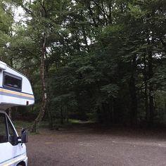 Heute übernachten wir mitten im Teutoburger Wald.  #arbeitenunterwegs #homeiswhereyouparkit #teutoburgerwald