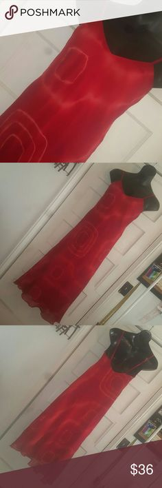 Swirl Girl! NWT Bright red soft and sexy long flowy chiffon dress. Lined. Sz M B 36in W 34in H 38in L 52in Dresses