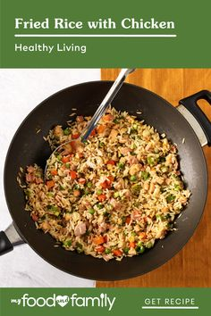 Craving carry-out? Try this yummy and hearty classic prepared with KRAFT Lite Asian Toasted Sesame Dressing, OSCAR MAYER CARVING BOARD Rotisserie Chicken Breast and Ham. Prepared with frozen peas and carrots, this easy-to-make Fried Rice with Chicken only takes 20 minutes to dish up! Boiled Ham, Making Fried Rice, Oscar Mayer, Sports Therapy, Healthy Living Recipes, Carving Board, Asian Recipes, Ethnic Recipes, Course Meal