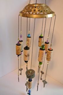 Skeleton Keys and Cork Wind Chime by sarahracha Wine Cork Art, Wine Cork Crafts, Wine Bottle Crafts, Wine Corks, Diy Cork, Wine Cork Projects, Key Projects, Diy Wind Chimes, Old Keys