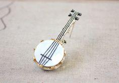vintage banjo brooch