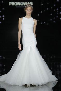 Veja nesta matéria a nova coleção de vestido de noiva 2017 Pronovias. Uma das coleções mais esperadas por noivas de todo mundo.