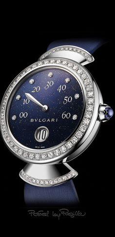 BULGARI Divas' Dream Lapis Lazuli (reference with white Gold case. Cute Watches, Dream Watches, Luxury Watches, Cartier, Bvlgari Accessories, Bvlgari Gold, Bvlgari Watches, Automatic Watches For Men, Beautiful Watches