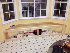 """Build a Window Seat With Storage: What's a bay window without a window seat? Building a window seat is a basic """"build-in"""" project and here's how you can do it. Window Storage Bench, Bay Window Benches, Wooden Storage Bench, Window Seat Kitchen, Window Seats, Pallet Storage, Window Blinds, Window Design, Home Renovation"""