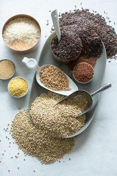 Obiloviny patří k základům naší stravy, jsou hlavním zdrojem sacharidů. U nás najdete kompletní spektrum obilovin, od nejběžnějších (pšenice, kukuřice, rýže) po málo známé (kamut, quinoa), v běžné podobě (mouky, vločky, těstoviny) i v podobě exotičtější (kuskus, bulgur, polenta). Polenta, Quinoa, Cereal, Stuffed Mushrooms, Vegetables, Breakfast, Food, Bulgur, Morning Coffee