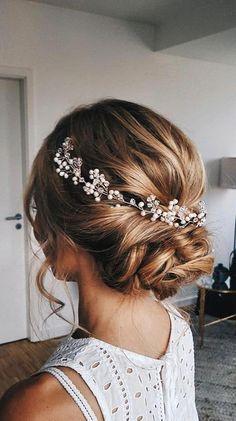 #EasyElegantHairstyles Loose Wedding Hair, Bohemian Wedding Hair, Bridal Hair Vine, Hair Comb Wedding, Bridal Crown, Wedding Hair Pieces, Pearl Bridal, Bridal Tiara, Bridal Updo With Veil