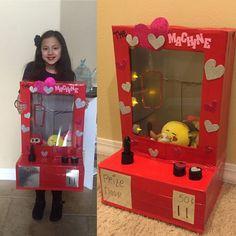 Kinder Valentines, Valentine Day Boxes, Valentines For Boys, Homemade Valentines, Valentine Day Crafts, Valentinstag Party, Diy Valentine's Box, Claw Machine, Lego Friends