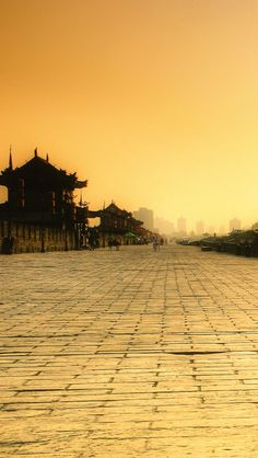Xi'an City Wall, the most reserved city wall in China http://lvpad.com/tour/tour_detail/Full-day-Xi-an-City-Tour-without-Guide/263