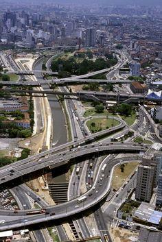 Complexo rodoviário conhecido como Cebolão - São Paulo - Brasil. Road complex known as Cebolão - São Paulo -Brazil.