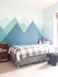 Mountain Boys Bedroom with Buffalo Check Quilt boysbedroompaint Mountain Boys Bedroom with Buffalo Check Quilt Kids Bedroom Paint, Boys Bedroom Colors, Boy Room Paint, Boys Bedroom Decor, Girls Bedroom, Childs Bedroom, Kid Bedrooms, Boys Room Paint Ideas, Childrens Bedrooms Boys