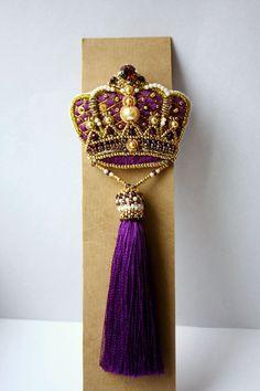 """Купить Брошь """"Сиреневое величие"""" - корона, сиреневый, перламутровый, брошь, брошь корона, королевский"""