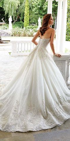 See more: http://www.weddingforward.com/bridal-gowns/ #weddings