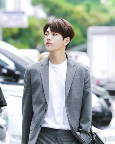 🍃🌿 You are my angel You're by my side Always, always stay here forever 💫 . Asian Actors, Korean Actors, L Kpop, Kim Myungsoo, Lee Sungyeol, Korea Boy, Park Hyung Sik, Kdrama Actors, Korean Entertainment