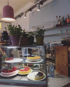 gemuetlichen Brunch in wien Restaurant Bar, Brunch, Lokal, Table Settings, Vienna, Sweet, Restaurants, Outdoor, University