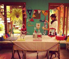 Hoje foi dia de fotografar itens fofíssimos que preparamos para as festinhas do final de semana!!!   Porque a gente aqui na Festejo amaaaa preparar festinhas lindas e descoladas!!!  Pensando aqui como vai ficar essa mesa depois de receber o bolo e outras delícias para as crianças no aniversário do Pedro e da Olivia!   #NaFestejoCadaFestaÉÚnica!  Saiba mais em nosso site! . . #FestaSnoopy #PedroFaz4 #OliviaFaz2 #FestejoInBox #ComemoreComAFestejo #FestejeComAFestejo #FestaDeCrianca…