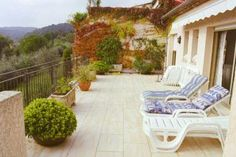 Villas in France-The outside terrace-The Villa Apartment -Property 101825