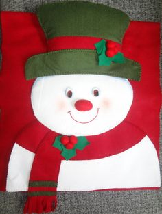 Picture result for Christmas chair cover - chairdesign Christmas Chair Covers, Christmas Cushions, Christmas Pillow, Felt Christmas, Handmade Christmas, Christmas Stockings, Christmas Cover, Christmas Crafts, Christmas Decorations