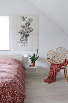 A romantic Scandinavian bedroom with a boho touch by the rattan chair ., Home Decor, A romantic Scandinavian bedroom with a boho touch by the rattan chair and the IXXI as wall decoration on the wall. Modern Bedroom Design, Decor Interior Design, Interior Paint, Small Room Bedroom, Home Decor Bedroom, Decoration For Ganpati, Pastel Decor, Scandinavian Bedroom, Bedroom Styles
