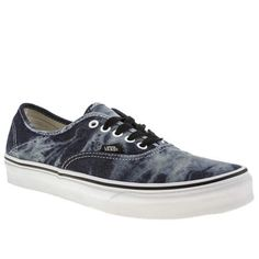 Authentic silhouette from Vans