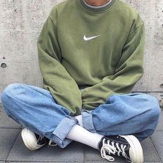 Style and boulevard footwear, seek our variety of fashionable streetwear trainers and tennis games shoes. Indie Outfits, Retro Outfits, Cute Casual Outfits, Vintage Outfits, Fashion Outfits, Fashion Clothes, Fashion Fashion, Fashion Guide, Fashion Ideas