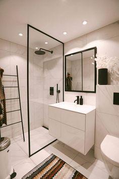 Beach Theme Bathroom, Bathroom Spa, Budget Bathroom, Bathroom Interior, Small Bathroom, Paris Bathroom, Bathroom Vinyl, Brown Bathroom, Modern Bathroom