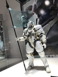 Sentinel showcased a 1/6 Ludens recently. Not sure if this will become an actual thing. FYI, Luden is Kojima Production's mascot.