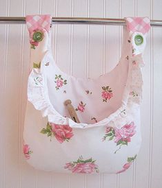 new CLOTHESPIN BAG ruffles VINTAGE pink roses fabrics shabby chic laundry holder pegbag cottage - cute idea! Fabric Crafts, Sewing Crafts, Sewing Projects, Diy Crafts, Clothespin Holder, Baños Shabby Chic, Peg Bag, Creation Couture, Rose Cottage