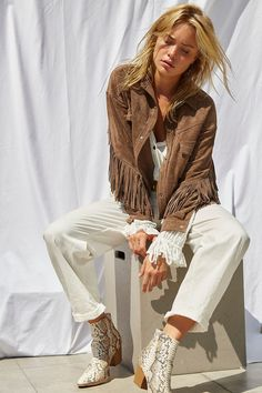 Apres Ski Outfits, Fall Outfits, Fashion Outfits, Fasion, Free Clothes, Clothes For Women, Desert Fashion, Winter Fashion, Twist And Shout