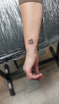 @westend_tattoo @westendtattoobp #westendtattooandpiercing #tattoo #ohmtattoo #smalltattoo #kistetovalas #ohmjel #csuklótetoválás #wristtattoo Ohm Tattoo, Budapest, Print Tattoos, Small Tattoos, Piercing, Petite Tattoos, Small Tattoo, Pierced Earrings, Piercings