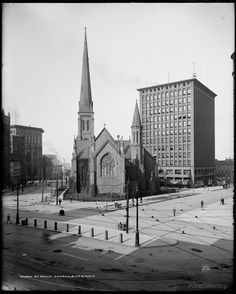 St. Paul's Church, Buffalo withLouis Sullivan's Prudential (or Guaranty) Building in the background.