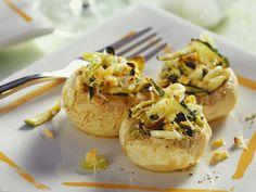 Champignons mit Zucchinifüllung - smarter - Kalorien: 100 Kcal - Zeit: 15 Min. | eatsmarter.de