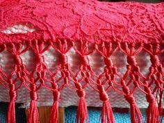 Flecos Easy Crafts, Diy And Crafts, Flamenco Costume, Micro Macrame, Paper Dolls, Fiber Art, Free Crochet, Knots, Crochet Necklace