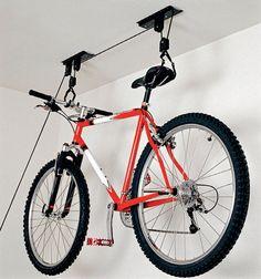 Bike suspensa, mas sempre à mão - Minha Casa