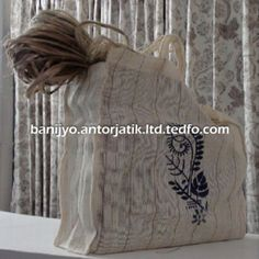 is one of the most reputable Environmental friendly Jute Goods Suppliers & Exporters of Bangladesh. Use our Natural products including jute food stuff bag, womens handbag etc Jute Products, One Page Business Plan, Jute Bags, Leather Bag, Fruit