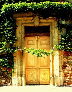 St.-Chinian,Languedoc-Roussillon,France Doorway, Gates, Places To Go, Windows, Country, Architecture, Heart, House, Painting