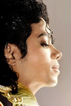You give me butterflies inside Michael. Janet Jackson, Michael Jackson Bad Era, Hee Man, You Give Me Butterflies, Mj Bad, Disneyland, Michael Jackson Wallpaper, King Of Music, Mj Music