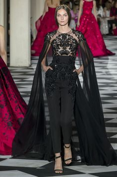 Zuhair Murad Herbst/Winter - Couture The Effective Pictures We Offer You About Runway Fashion versace A quality picture can tell you many things. You can find the most beautiful pictures tha Outfit Designer, Designer Dresses, Zuhair Murad Mariage, Zuhair Murad Dresses, Zuhair Murad 2018, Zuhair Murad Bridal, Zuhair Murad Haute Couture, Style Haute Couture, Gowns Couture