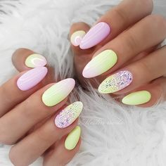 Nail art Christmas - the festive spirit on the nails. Over 70 creative ideas and tutorials - My Nails Glitter Manicure, Nail Manicure, Gel Nails, Nail Polish, Perfect Nails, Gorgeous Nails, Pretty Nails, Dream Nails, Love Nails
