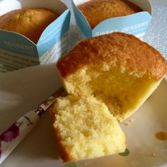 When I saw my FB friend, Lim Lee Chien& posting of those golden butter cupcakes, my next action was to scroll for her recipe. Sponge Cake Recipe Best, Butter Cupcake Recipe, Butter Cupcakes, Sponge Cake Recipes, Cupcake Recipes, Baking Recipes, Cupcake Cakes, Dessert Recipes, Banana Cupcakes