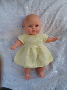 Ravelry: baby doll dress pattern by linda Mary Knitting Dolls Clothes, Baby Doll Clothes, Crochet Doll Clothes, Baby Dolls, Reborn Dolls, Reborn Babies, Girl Dolls, Knitted Dolls Dress Pattern, Doll Dress Patterns